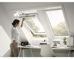 VELUX Schwingfenster GGU CK04 0059 Polyur. TH.-STAR